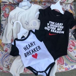 Lot of baby 👶 🍼 clothes